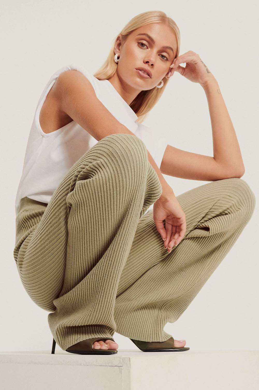 nakd_knitted_ribbed_pants_1100-003140-0052_201198